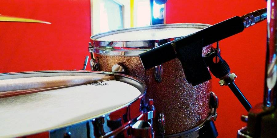Best Microphones for Drums & Best Drum Mic Kits